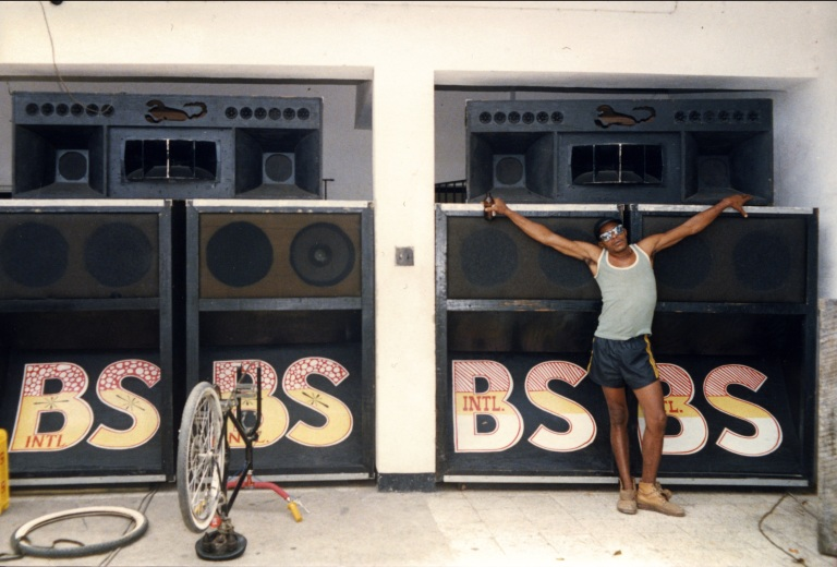 bl_1985_papascrew_blackscorpiospeakers_bethlesser